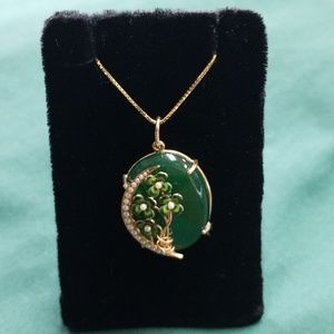Jewelry - 14kt gold handmade jadite/pearl necklace